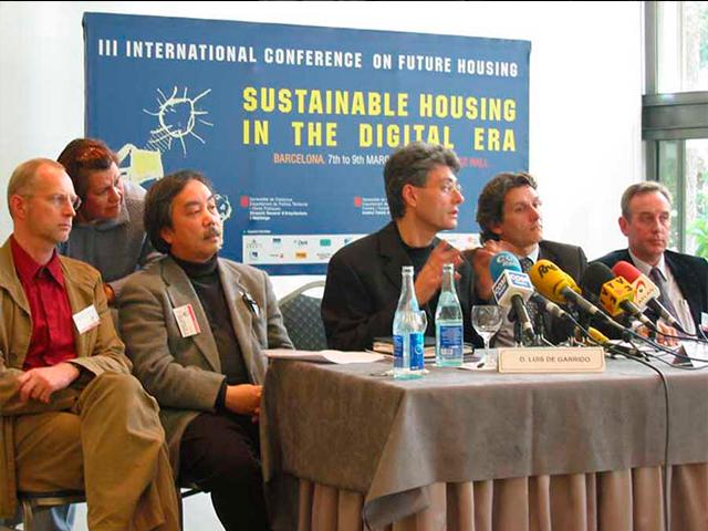 Conferencia de prensa III Congreso Mundial para la Vivienda del Futuro Barcelona Luis De Garrido Barcelona Espania