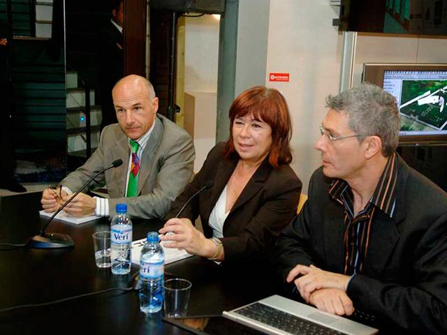 Inauguración R4House por la Ministra de Medio Ambiente Cristina Narbona Barcelona. España. Luis De Garrido